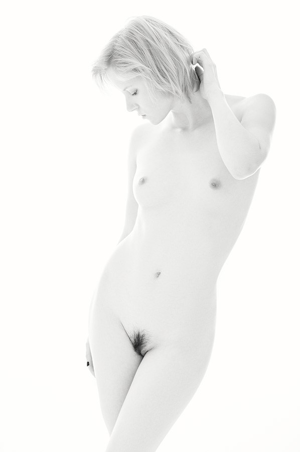 [white] Artistic Nude Photo by Photographer Christoph W.